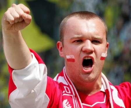 图文:德国VS波兰 波兰球迷场外助威