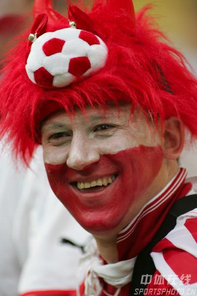 组图:德国VS波兰 球迷更是有人欢喜有人愁