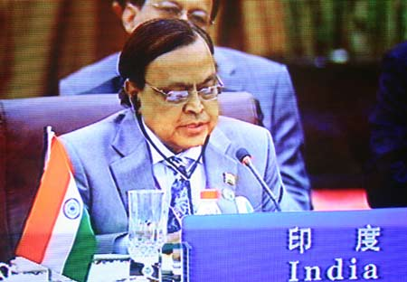图文:印度共和国石油和天然气部长发言