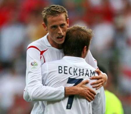 组图:英格兰2-0特立尼达 贝克汉姆庆祝进球