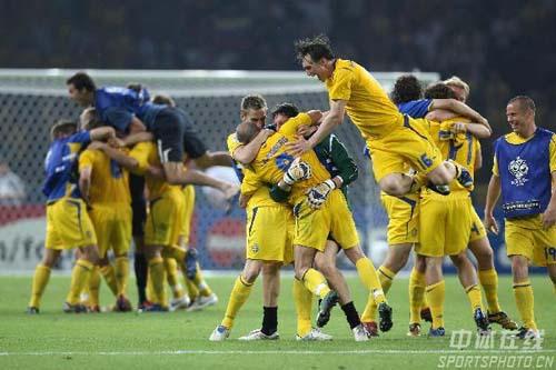 组图:瑞典1-0巴拉圭 守门员表现良好