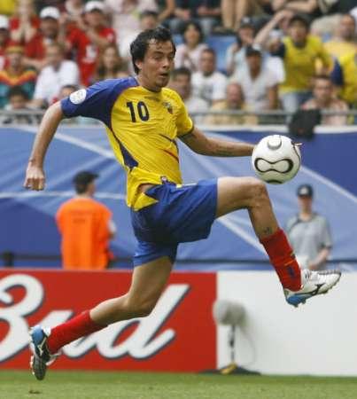 图文:厄瓜多尔3-0哥斯达黎加 精彩控球