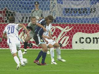 幻灯:阿根廷VS塞黑第二粒进球 坎比亚索破门