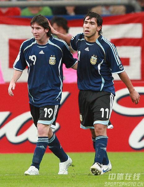 图文:阿根廷6-0塞黑 阿根廷的未来