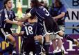 阿根廷队员庆祝进球