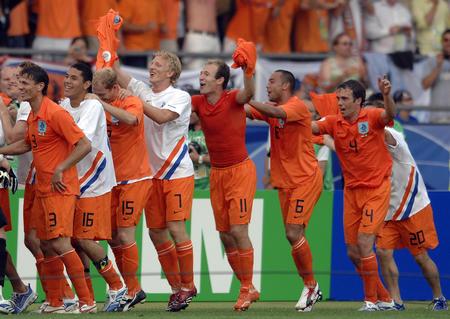 古利特热评:过程令人担心 荷兰再不调整难进4强