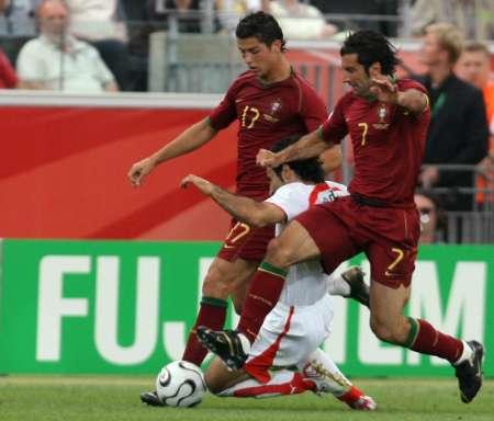 组图:葡萄牙VS伊朗 马达维基亚带球突破