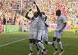 加纳队员庆祝进球