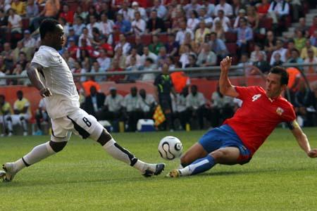 图文:捷克0-2不敌加纳 加拉塞克堵枪眼