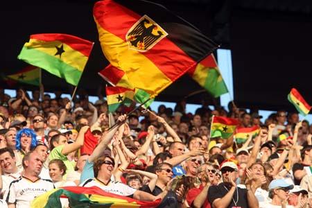 图文:捷克0-2不敌加纳 加纳今夜无眠