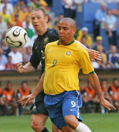 图文:巴西VS澳大利亚 罗纳尔多肥状尽显