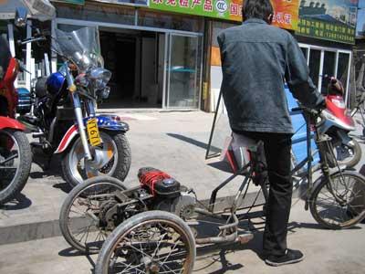 北京政协委员呼吁取缔非法黑三轮 建议处罚改装店