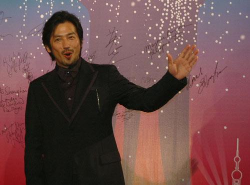 第9届上海电影节 男明星出场也有风情(组图)