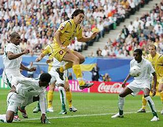 鲁索尔抢点破门 乌克兰一球领先