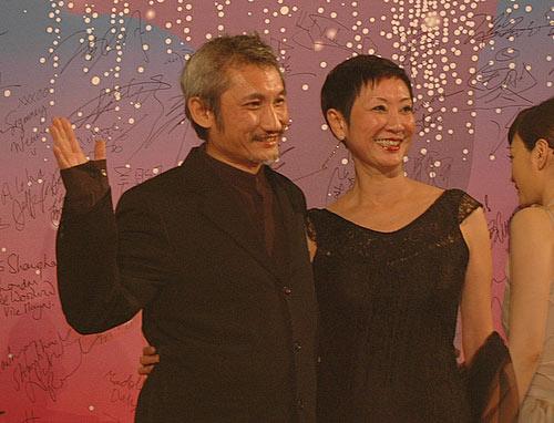 第九届上海电影节 双双对对甜蜜走红毯(组图)