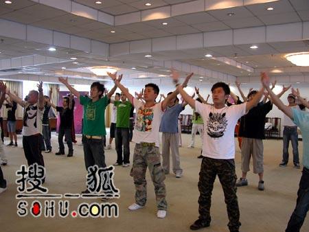 《梦想中国》北京赛区:排练舞蹈
