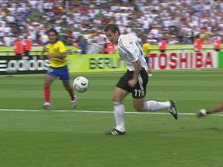 幻灯:厄瓜多尔VS德国第二个进球 克洛斯再建功