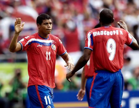 图文:哥斯达黎加VS波兰 戈麦斯庆祝进球