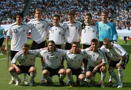 图文:厄瓜多尔0-3德国 德国队首发阵容