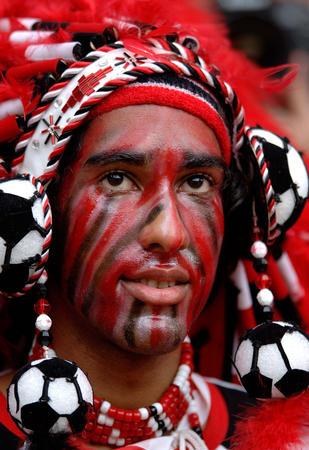 图文:巴拉圭VS特立尼达 特队球迷在比赛中