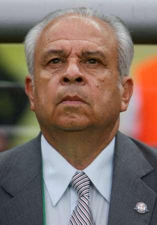 图文:巴拉圭VS特立尼达 巴拉圭队主教练鲁伊斯