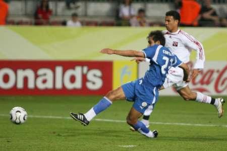 图文:巴拉圭VS特立尼达 奎瓦斯进球瞬间