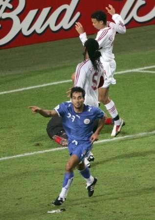 图文:巴拉圭2-0特立尼达 奎瓦斯进球