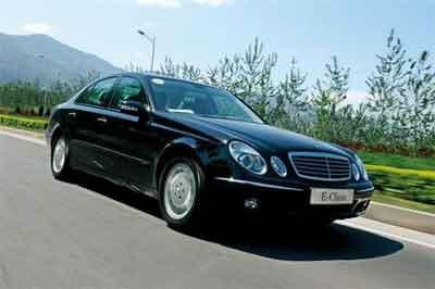 奔驰新E系欧洲上市 定价在36万元左右