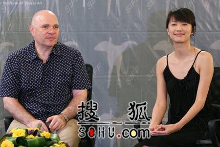 大师对话中国导演 徐静蕾工作方式吓坏明格拉