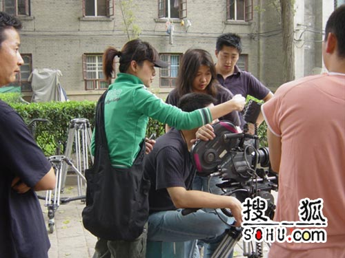 全国范围内选群众演员 徐静蕾首部广告片出炉