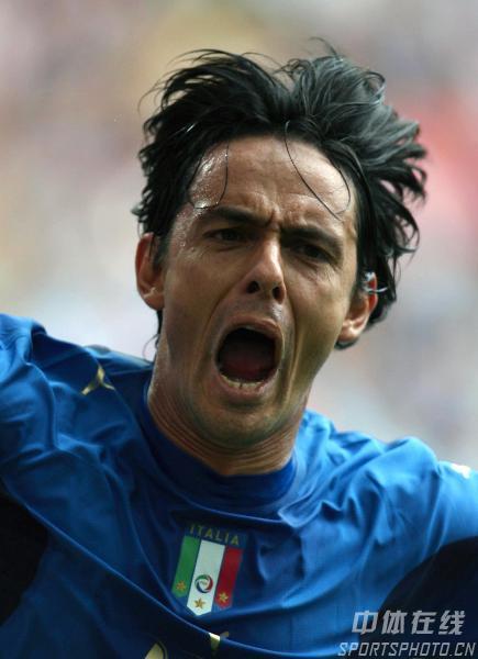 组图:捷克0-2意大利 因扎吉打入世界杯首球