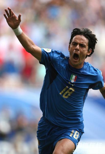 图文:捷克0-2意大利 因扎吉打入世界杯首球