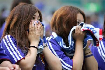 组图:日本1-4巴西 日本球迷很受伤