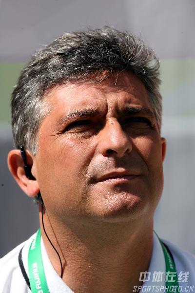 图文:西班牙1-0沙特 沙特队主帅帕克塔