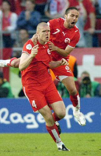 图文:瑞士2-0韩国 赛后的沮丧和兴奋一一展现