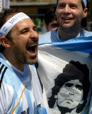 图文:阿根廷VS墨西哥 阿根廷球迷的狂野