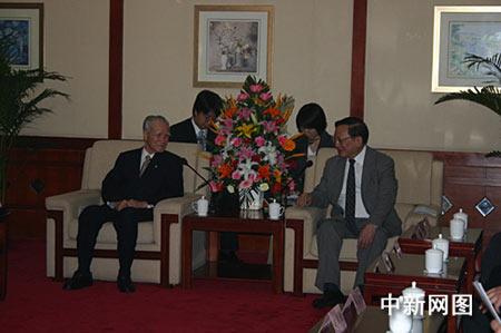 唐家璇说,我们共同纪念葫芦岛百万日侨大遣返六十周年这一历史性