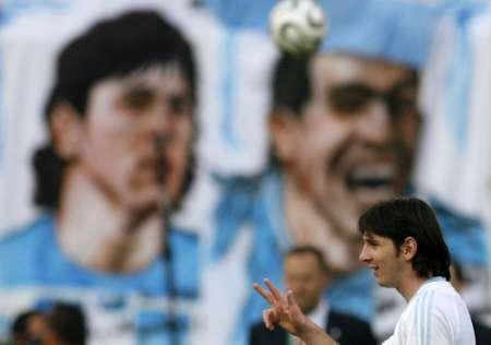 图文:阿根廷VS墨西哥 梅西赛前很轻松