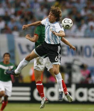 组图:阿根廷VS墨西哥 阿根廷队员庆祝进球