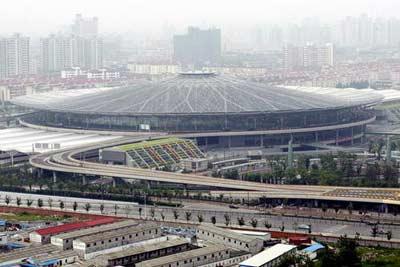 国内首个圆形火车站铁路上海南站开门迎客(图)