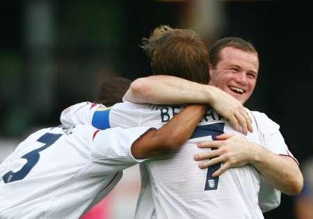 组图:英格兰VS厄瓜多尔 英格兰队员庆祝进球