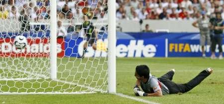 组图:英格兰1-0厄瓜多尔 门将鞭长莫及