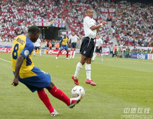 图文:英格兰1-0厄瓜多尔 厄队门德斯传中