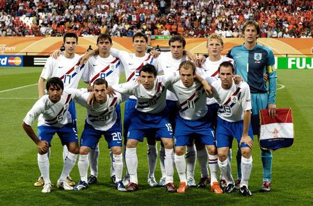 图文:葡萄牙1-0荷兰 荷兰队首发阵容