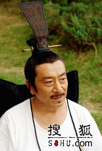 《少林寺传奇》拍摄 王刚演皇帝孙卉凝变打女图片