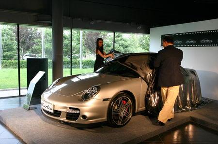 保时捷3S中心迎来第六代保时捷911Turbo