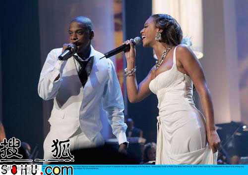 Jay-Z纽约演唱会群星捧场 与碧昂斯深情对唱