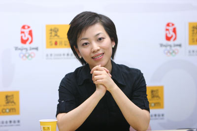 劳春燕是小三_劳春燕做客搜狐 小撒车队和侯丰车队顺利会师-搜狐新闻