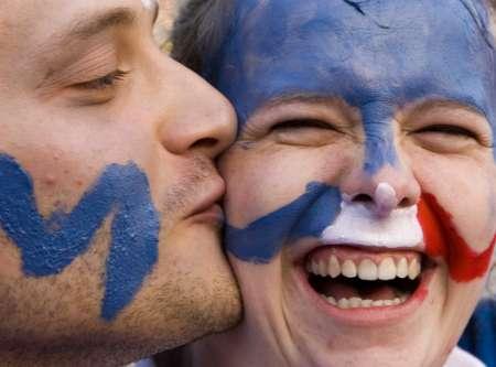 图文:西班牙1-3法国 接吻带来了胜利