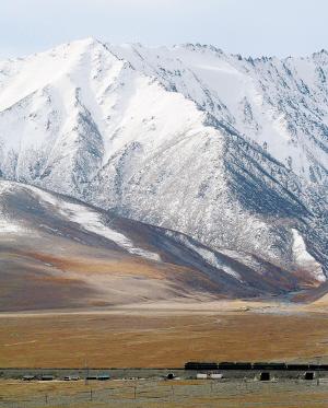 青藏铁路吸引世界目光 南亚关注其战略意义